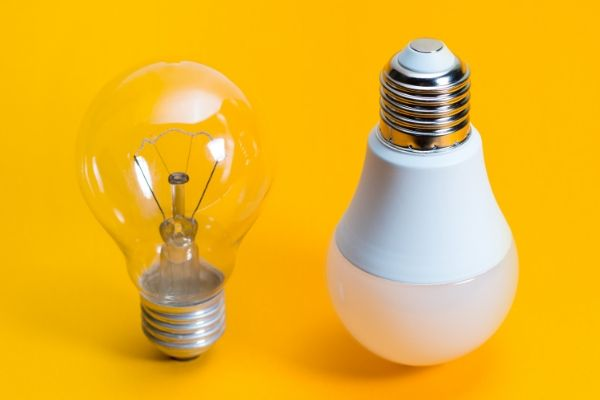 Incandescent_Light_bulbs